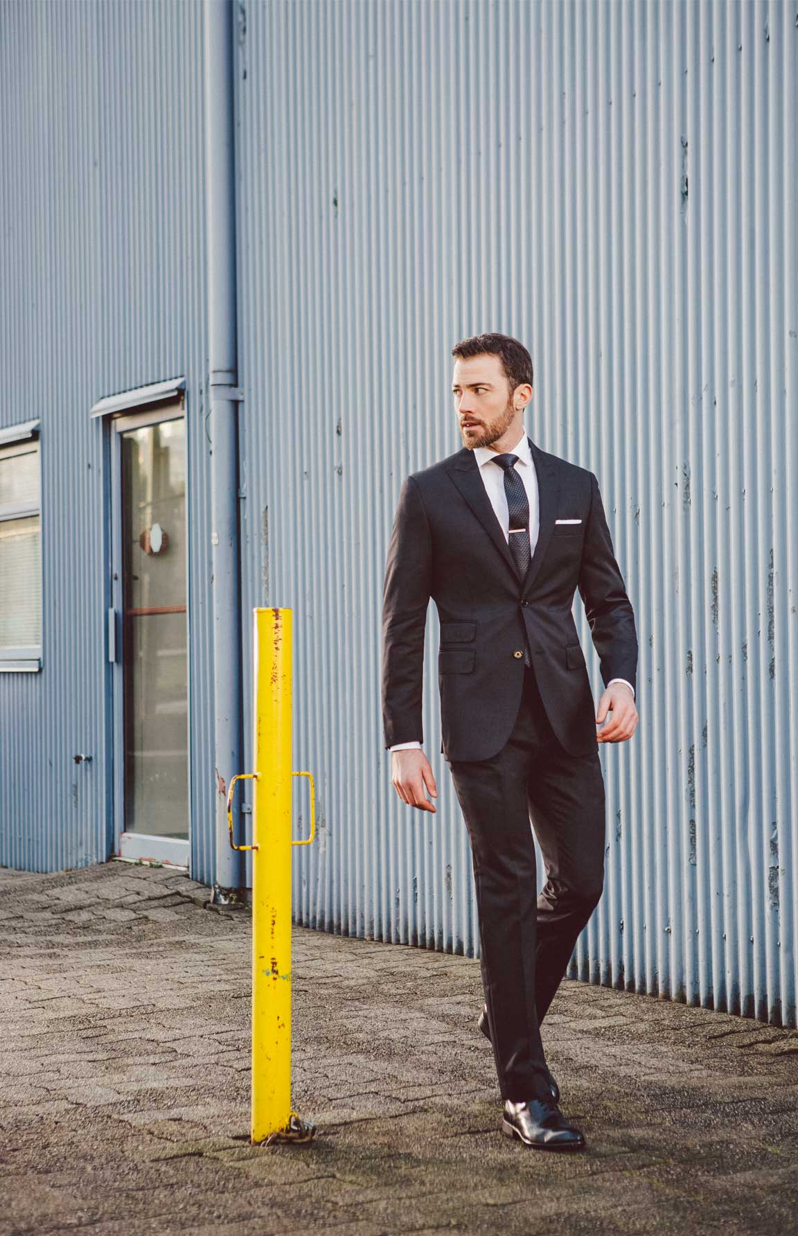Super Suit: What is a Super Number? How to distinguish suit quality and fit-for-occasion with super numbers.