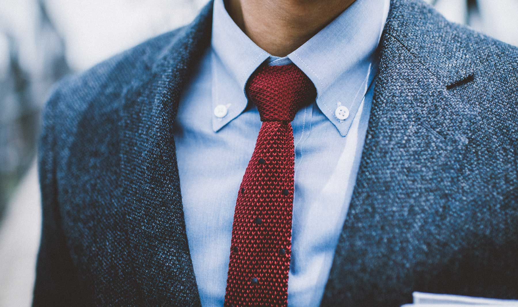 Dress it up or down, the button-down collar looks GOOD